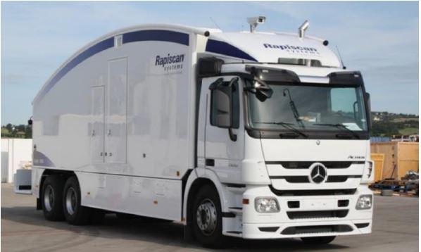 Camión escáner del puerto de barcelona con gdes